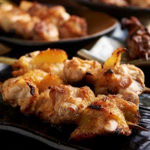 焼き鳥をはじめ人気の鶏料理が食べ放題で楽しめる五反田の居酒屋「とりいちず」